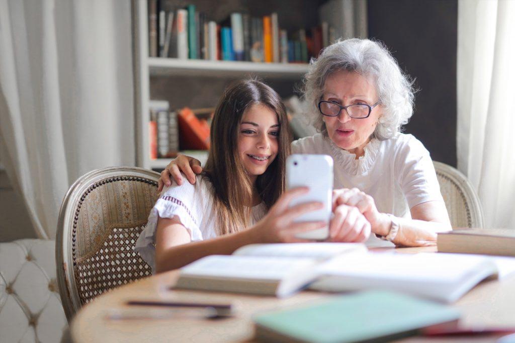 elder-care-assisted-living-quality-of-life-senior-living-community-IoT